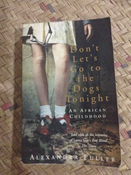 Foto bij Boek | Don't Let's Go to the Dogs Tonight